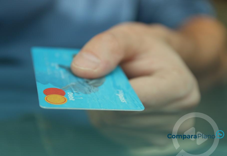 como colocar crédito pelo cartão de crédito